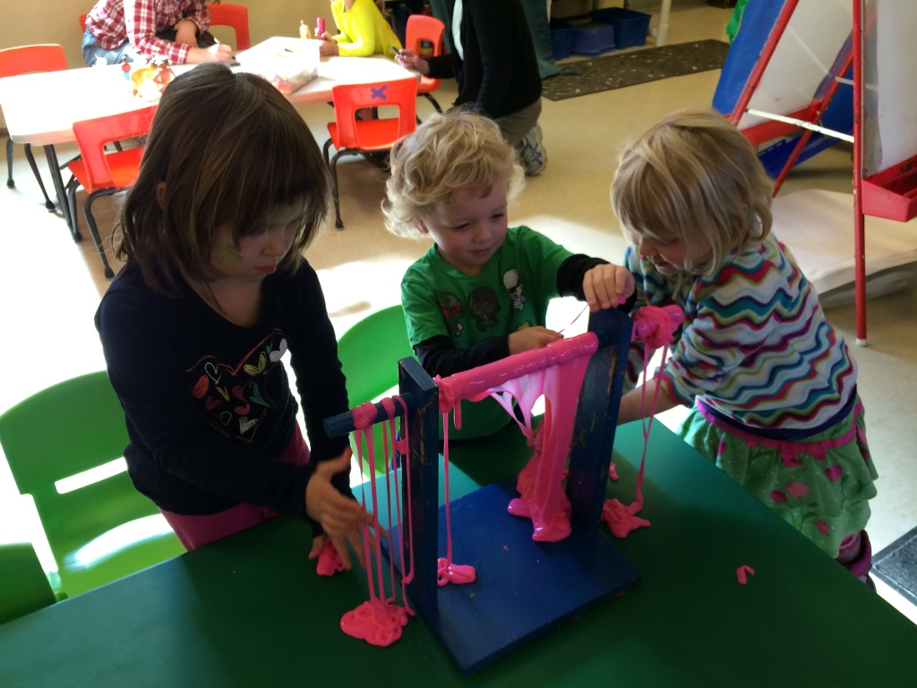 broadview coop preschool 3-5's free choice play time